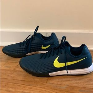 Men's Nike Magista Finale II indoor soccer shoes